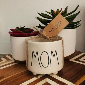 NWT! Rae Dunn Ceramic MOM planter